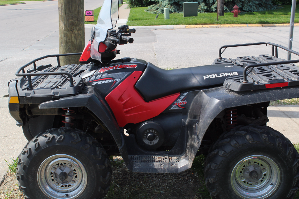 2005 Used Polaris Sportsman 700 efi, Front and Rear Rack ext and Windshield. $ 3999.00 firm